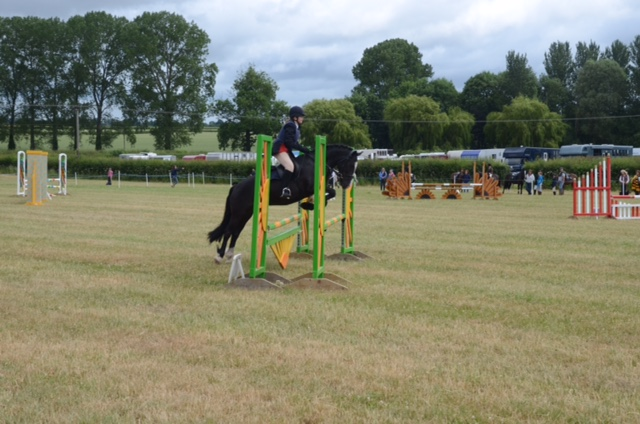 Katie at Area Showjumping